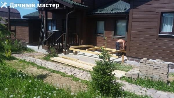 Начало строительства открытой веранды