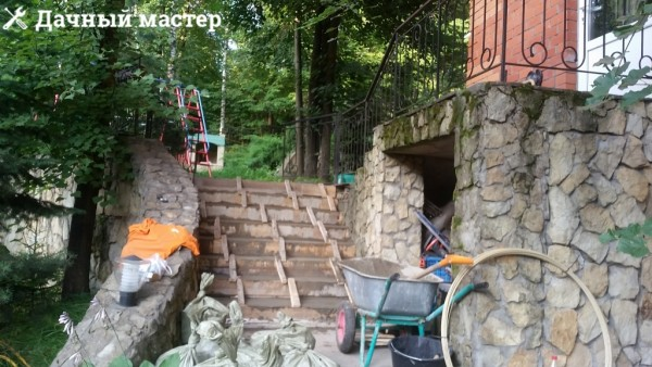Лестница после подливки