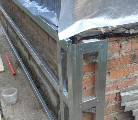 Металлокаркас под облицовку цоколя панелями