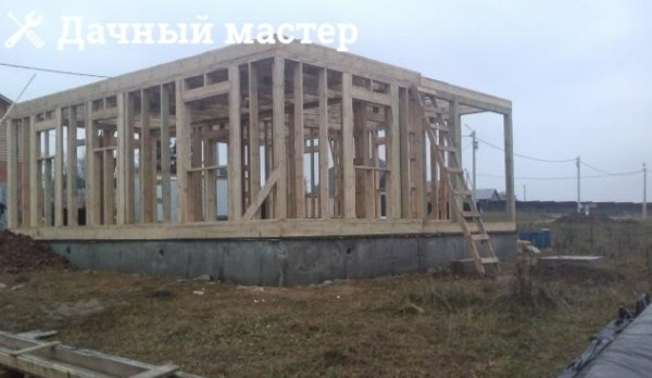 Каркас первого этажа деревянного дома
