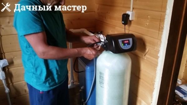 Подключение дренажных шлангов и программирование управляющего клапана