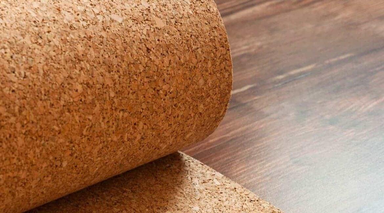 Укладка ламинированных покрытий: преимущества использования пробковой подложки