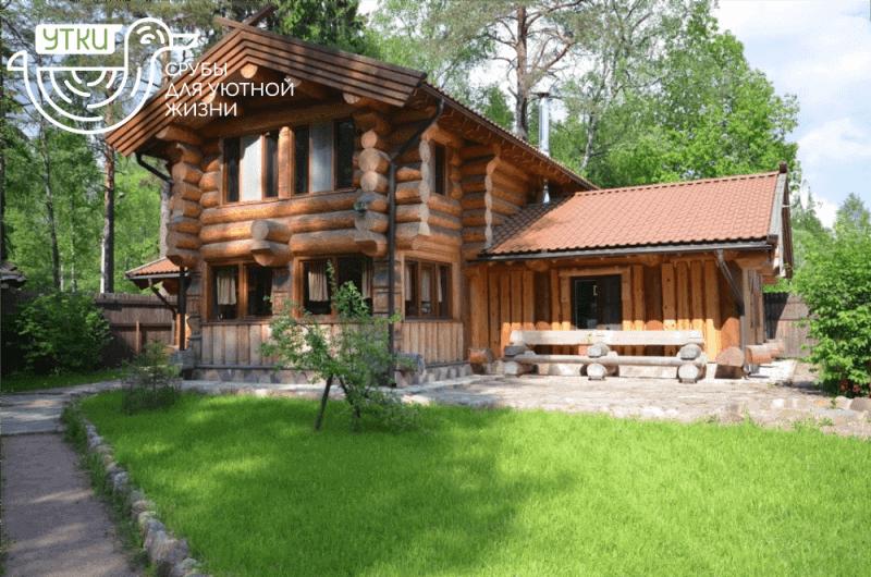 Сруб дома из бревна по проекту компании УтКи