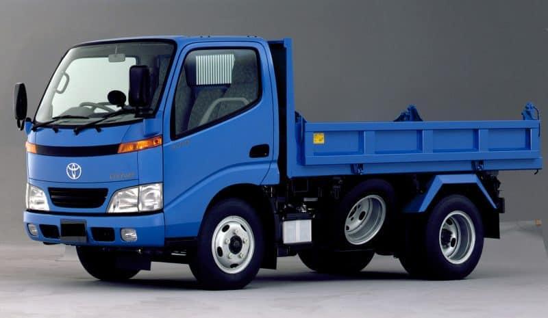 Где покупают грузовики б/у?