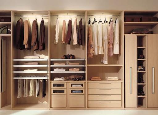 Шкафы для одежды на заказ и их внутреннее наполнение