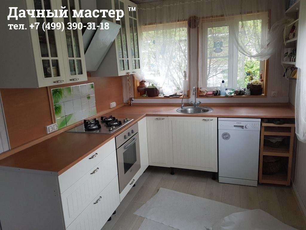 Кухня дачного дома после ремонта