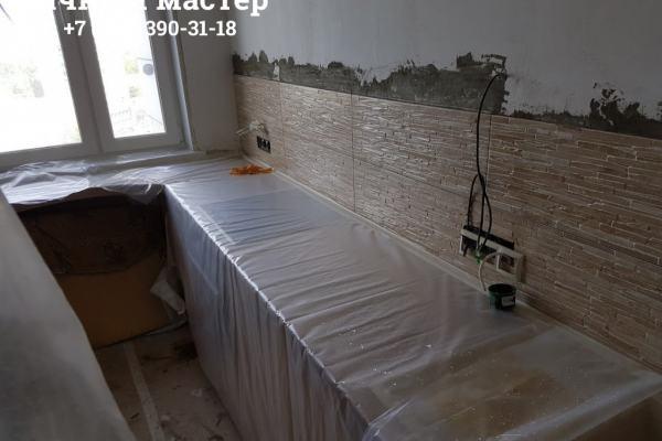 Монтаж фартука из плитки на кухне