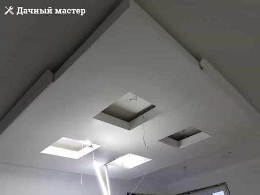 Монтаж декоративного молдинга на подвесную конструкцию