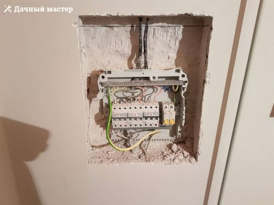 Демонтаж старого электрощитка
